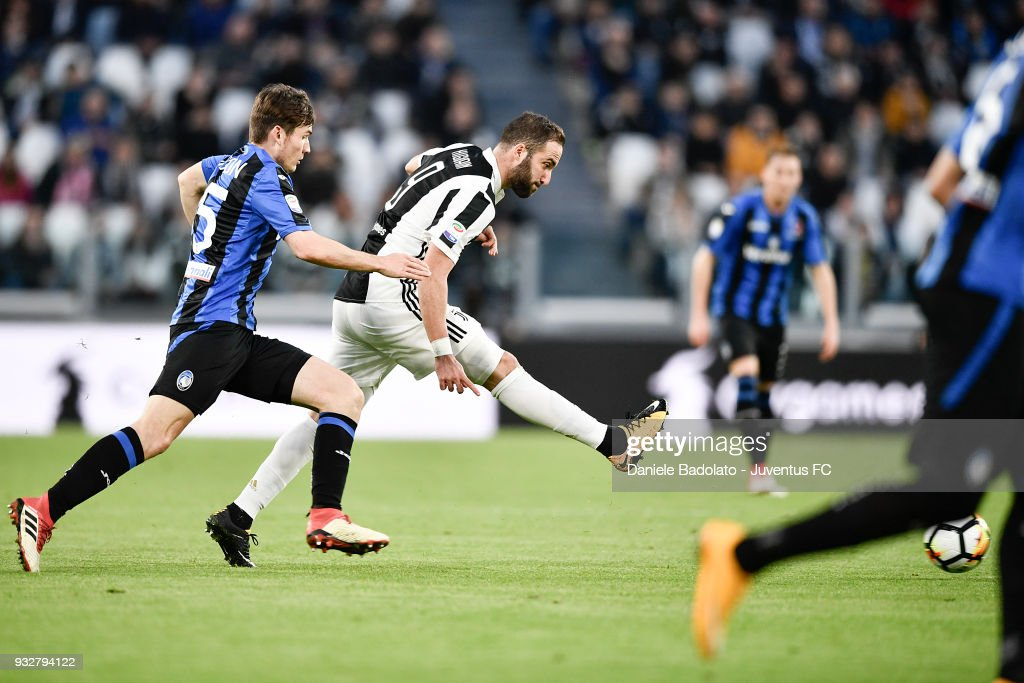 Gonzalo Higuain of Juventus during the serie A match between Juventus and Atalanta BC on March 14, 2018 in Turin, Italy.