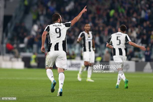 Gonzalo Higuain of Juventus FC celebrate after scoring a goal during the Serie A football match between Juventus FC and Torino Fc
