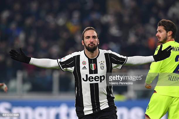 Gonzalo Higuain of Juventus FC celebrates after scoring the opening goal during the Serie A match between Juventus FC and Bologna FC at Juventus...