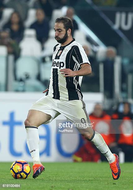 Gonzalo Higuain of Juventus FC during the Serie A match between Juventus FC and SSC Napoli at Juventus Stadium in Turin Italy on October 29 2016