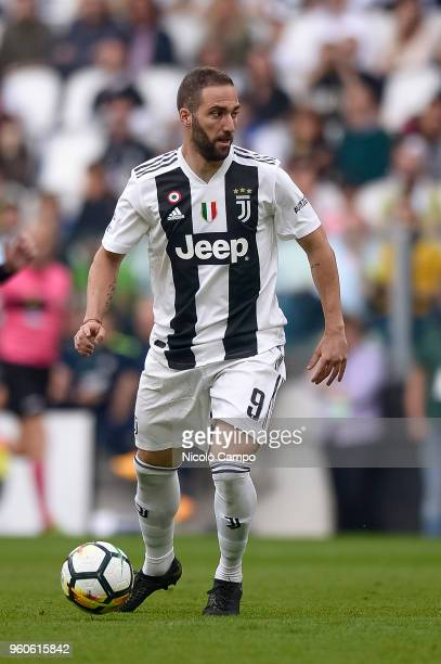 Gonzalo Higuain of Juventus FC in action during the Serie A football match between Juventus FC and Hellas Verona FC Juventus FC won 21 over Hellas...