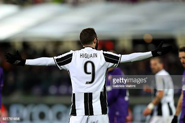 Gonzalo Higuain of Juventus FC reacts during the Serie A match between ACF Fiorentina and Juventus FC at Stadio Artemio Franchi on January 15 2017 in...