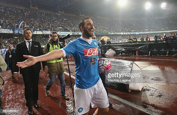 Gonzalo Higuain of Napoli celebrates after the Serie A match between SSC Napoli and Frosinone Calcio at Stadio San Paolo on May 14 2016 in Naples...