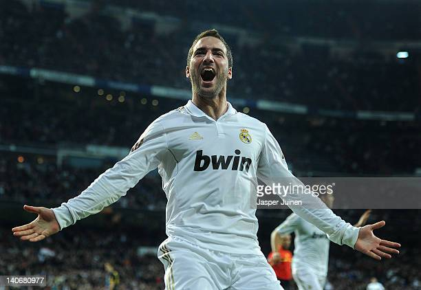 Gonzalo Higuain of Real Madrid celebrates scoring during the la Liga match between Real Madrid and Espanyol at Estadio Santiago Bernabeu on March 4...