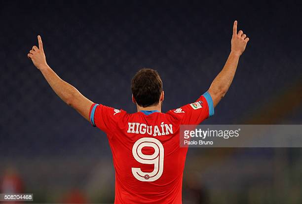 Gonzalo Higuain of SSC Napoli celebrates after scoring the opening goal during the Serie A match between SS Lazio and SSC Napoli at Stadio Olimpico...
