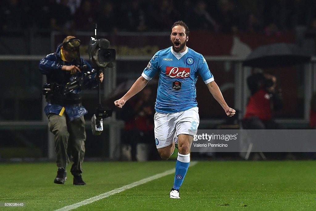 Gonzalo Higuain of SSC Napoli celebrates after scoring the opening goal during the Serie A match between Torino FC and SSC Napoli at Stadio Olimpico di Torino on May 8, 2016 in Turin, Italy.
