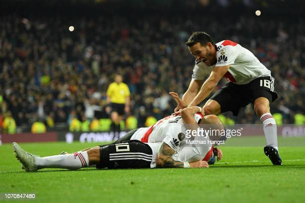 Gonzalo Martinez of River Plate celebrates with teammates after scoring his team's third goal during the second leg of the final match of Copa...