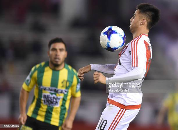 Gonzalo Martinez of River Plate controls the ball during a match between River Plate and Aldosivi as part of Torneo Primera Division 2016/17 at...