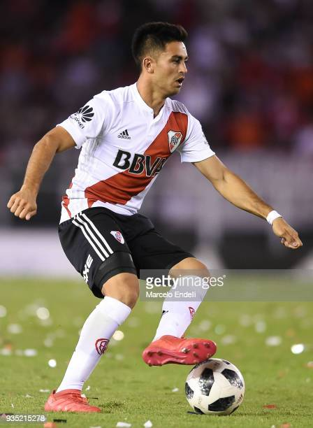Gonzalo Martinez of River Plate drives the ball during a match between River Plate and Belgrano as part of Superliga 2017/18 at Monumental Antonio...