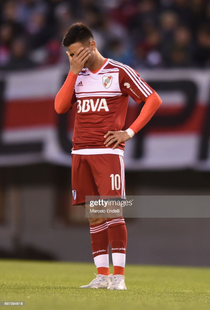 Gonzalo Martinez of River Plate looks dejected during a match between River Plate and Racing Club as part of Torneo Primera Division 2016/17 at Monumental Stadium on June 18, 2017 in Buenos Aires, Argentina.