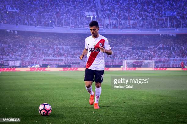 Gonzalo Martinez of River Plate looks the ball during a first leg match between River Plate and Lanus as part of semifinals of Copa CONMEBOL...