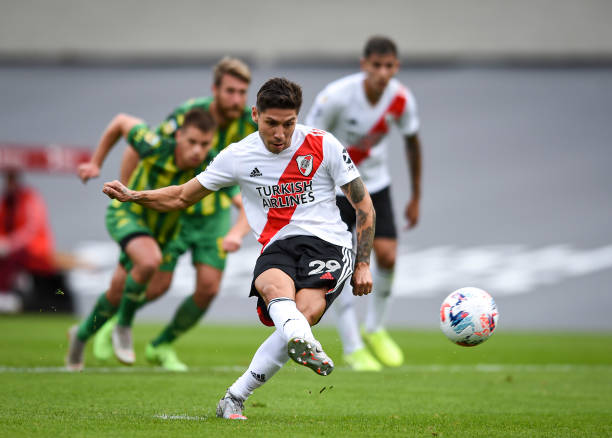 Gonzalo Montiel of River Plate kicks the penalty to score the first goal of his team during a match between River Plate and Aldosivi as part of Copa...