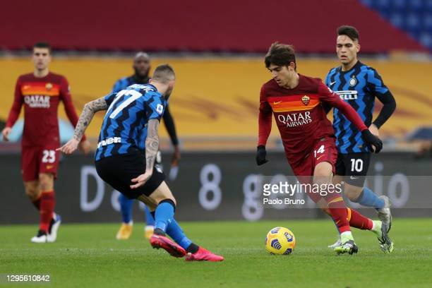 Gonzalo Villar of Roma attempts to run past Marcelo Brozovic of Internazionale during the Serie A match between AS Roma and FC Internazionale at...