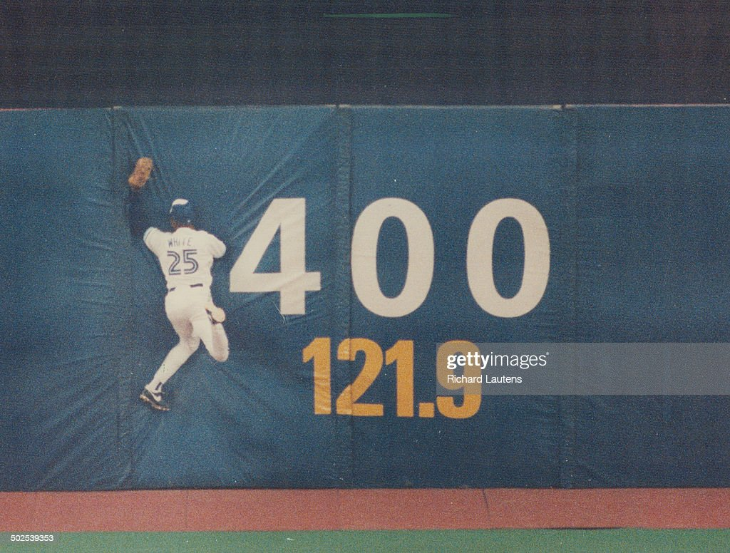 Outfielder Devon White added another Gold Glove to his collection yesterday. This stunning catch in Game 3 of the World Series sparked the Blue Jays to victory over the Atlanta Braves.