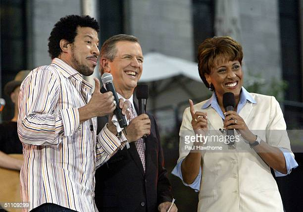 Good Morning America anchors Charles Gibson and Robin Roberts introduce Lionel Richie during Good Morning America's Summer Concert Series in Bryant...