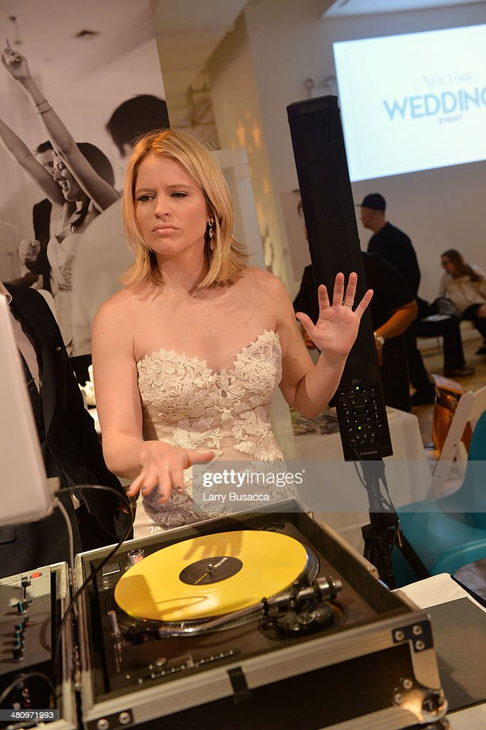 Good Morning America S Sara Haines Programs At The Music Station During New York Magazine