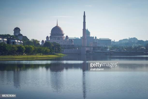 good morning from putrajaya, malaysia - shaifulzamri stockfoto's en -beelden