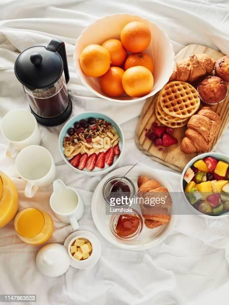 buenas mañanas se hacen con buen desayuno - desayuno fotografías e imágenes de stock