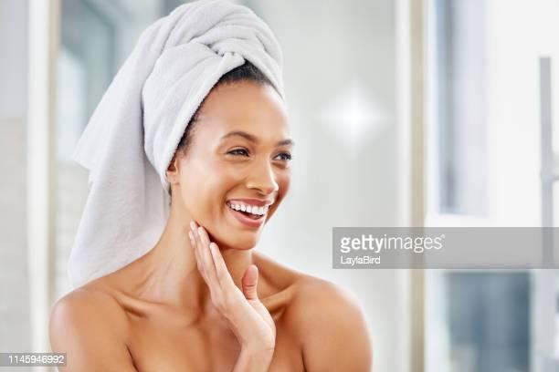 good skin makes it a good start to the day - raggiante foto e immagini stock