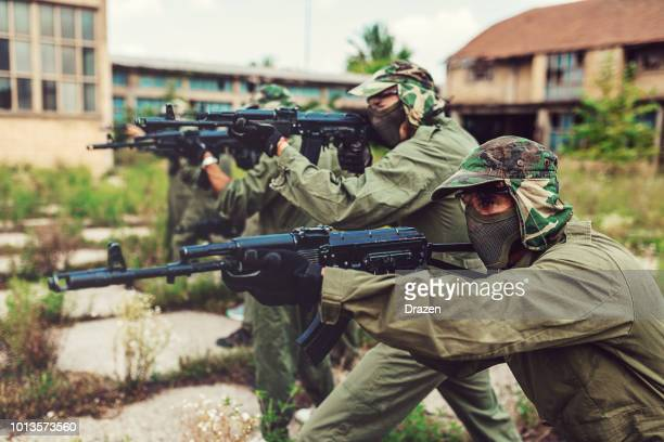 good tactics in warfare games - terrorism stock pictures, royalty-free photos & images