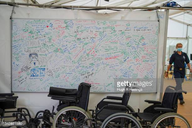 Good will message board NHS at the Stithians Showground temporary NHS vaccination centre during its final hour of opening on September 26, 2021 in...