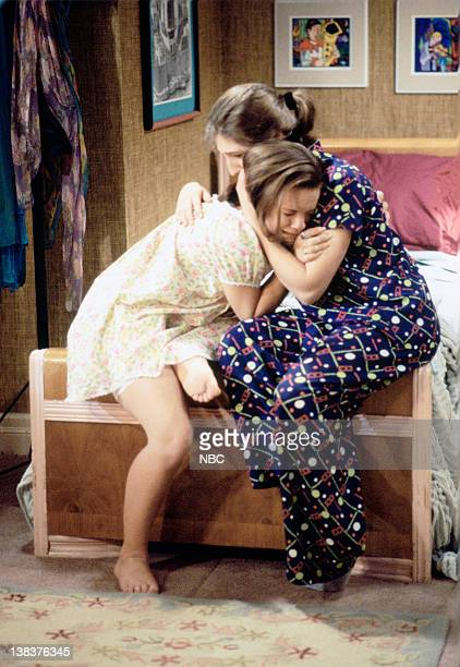 BLOSSOM 'Goodbye' Episode 22 Aired Pictured Jenna von Oy as Six LeMeure Mayim Bialik as Blossom Russo