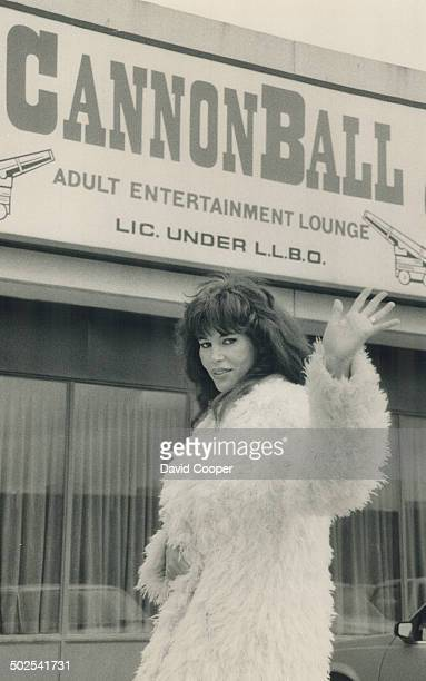 Goodbye to all this Annie Ample bids a lessthannostalgic farewell to the adult entertainment business which she says is now riddled with vice and...