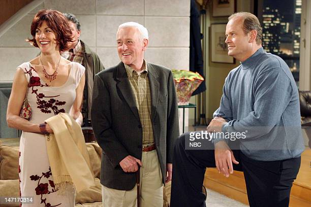 FRASIER Goodnight Seattle Episode 21 Pictured Wendie Malick as Ronee Lawrence John Mahoney as Martin Crane Kelsey Grammer as Dr Frasier Crane