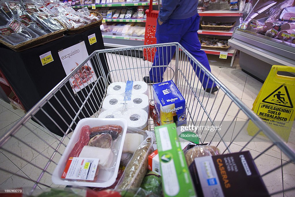 Goods sits in a customer's cart during a shopping trip inside an Eroski Group supermarket in Madrid, Spain, on Friday, Nov. 2, 2012. Spain is unlikely to need a full bailout while any request from the euro area's fourth-largest economy for alternative support measures must be met with a swift response, Finnish Prime Minister Jyrki Katainen said. Photographer: Angel Navarrete/Bloomberg via Getty Images