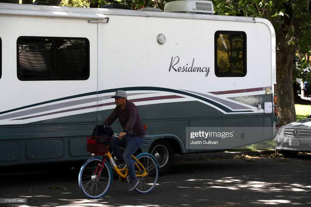 CA: Google Employees Clogging Mountain View Street With Campers, In Effort To Avoid High Local Housing Costs