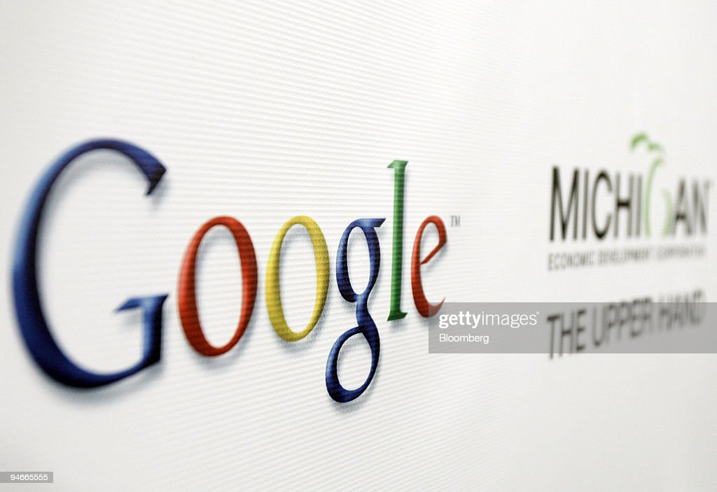Google Michigan signs are pictured at a news conference in L : News Photo