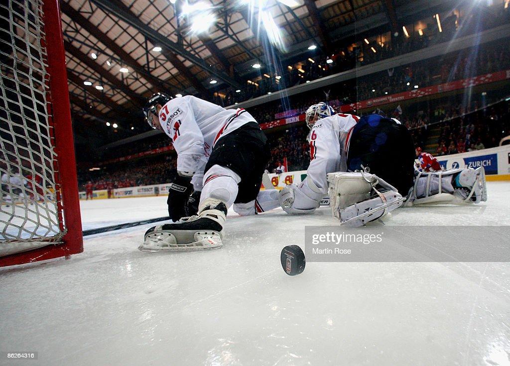 Russia v Switzerland - IIHF World Championship : News Photo