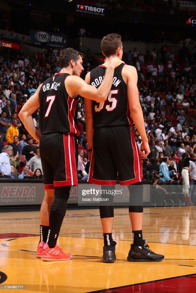 Goran Dragic of the Miami Heat and Duncan Robinson of the Miami Heat...  Foto di attualità - Getty Images
