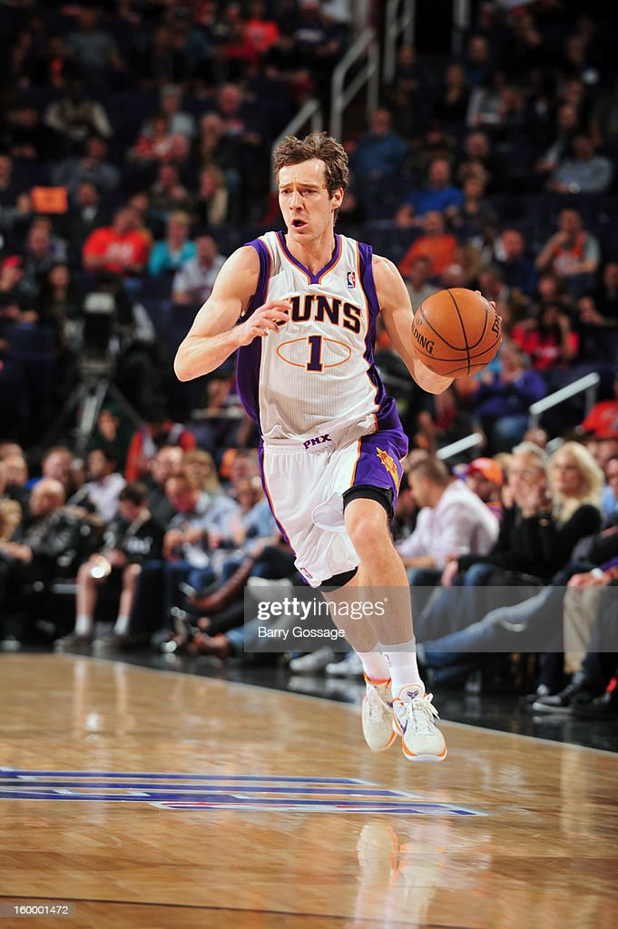 Goran Dragic #1 of the Phoenix Suns drives against the Los Angeles Cippers on January 24, 2013 at U.S. Airways Center in Phoenix, Arizona.