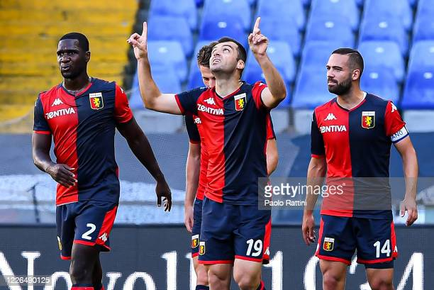 Goran Pandev of Genoa celebrates with his team-mates after scoring a goal during the Serie A match between Genoa CFC and SPAL at Stadio Luigi...