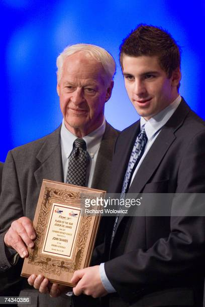 Gordie Howe presents the 2007 RBK Player of the Year award to John Tavares of the Oshawa Generals during the 2007 CHL Awards Banquet at the River...