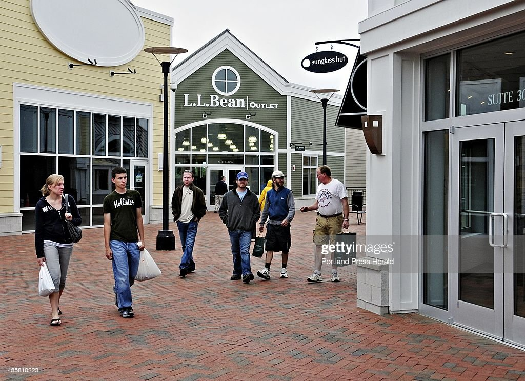 5d4626ec43c0e Shoppers in Freeport Village Station have started visiting the new stores  opening every day at the