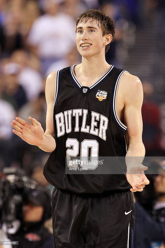 sale retailer 8ddef 331a9 Gordon Hayward of the Butler Bulldogs reacts in the second ...