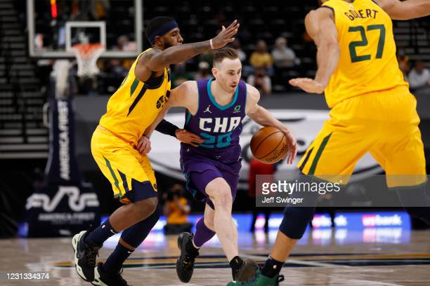 Gordon Hayward of the Charlotte Hornets drives to the basket against the Utah Jazz on February 22, 2021 at vivint.SmartHome Arena in Salt Lake City,...