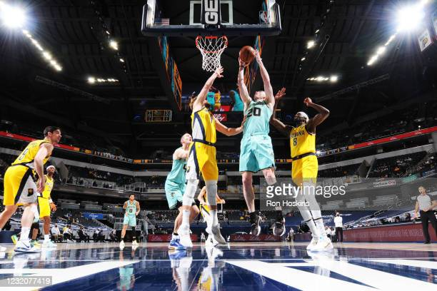 Gordon Hayward of the Charlotte Hornets drives to the basket against the Indiana Pacers on April 2, 2021 at Bankers Life Fieldhouse in Indianapolis,...