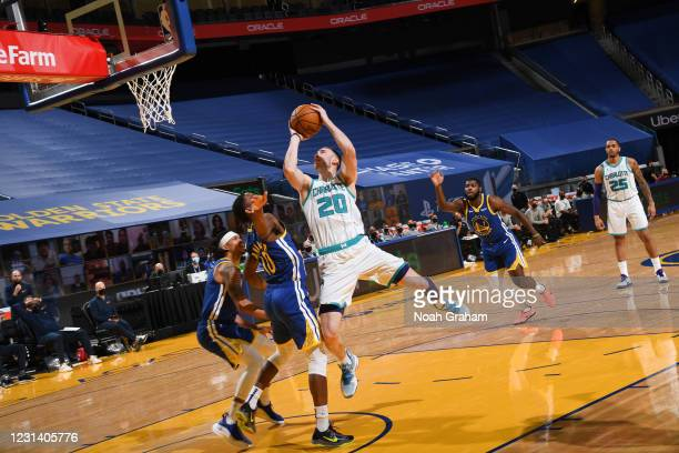 Gordon Hayward of the Charlotte Hornets drives to the basket during the game against the Golden State Warriors on February 26, 2021 at Chase Center...