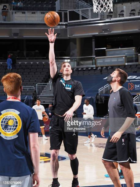 Gordon Hayward of the Charlotte Hornets warms up before the game against the Indiana Pacers on April 2, 2021 at Bankers Life Fieldhouse in...