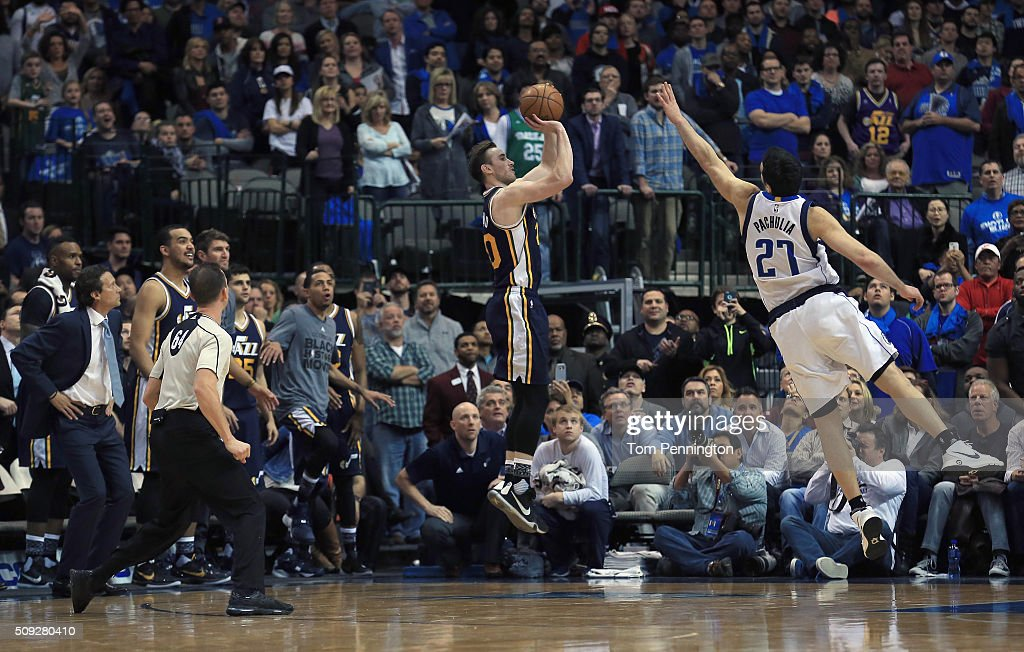 Gordon Hayward #20 of the Utah Jazz shoots the game winning basket against Zaza Pachulia #27 of the Dallas Mavericks in overtime at American Airlines Center on February 9, 2016 in Dallas, Texas. The Utah Jazz beat the Dallas Mavericks 121-119.