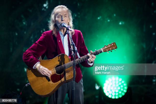 Gordon Lightfoot performs during Canada Day celebrations at Parliament Hill on July 1 2017 in Ottawa Canada