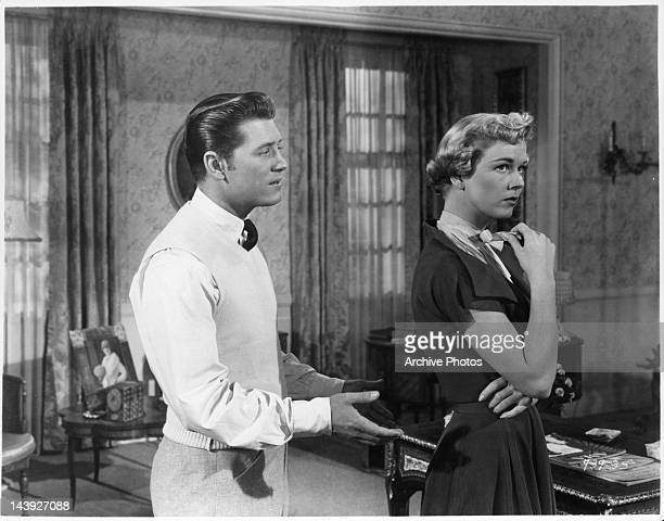Gordon MacRae tries to appeal Doris Day in a scene from the film 'Tea For Two' 1950