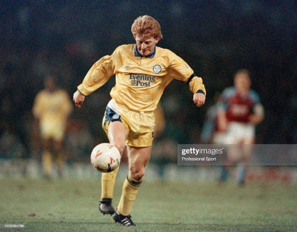 Aston Villa v Leeds United - Barclays League Division One : News Photo
