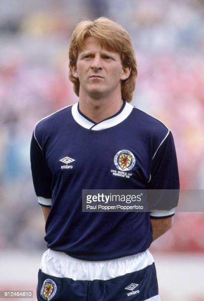 Gordon Strachan lines up for Scotland before the FIFA World Cup match between Scotland and Denmark at the Estadio Neza in Nezahualcoyotl 4th June...