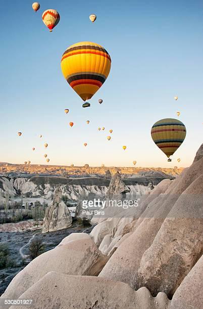 goreme hot air balloon flight - cappadocia stock pictures, royalty-free photos & images