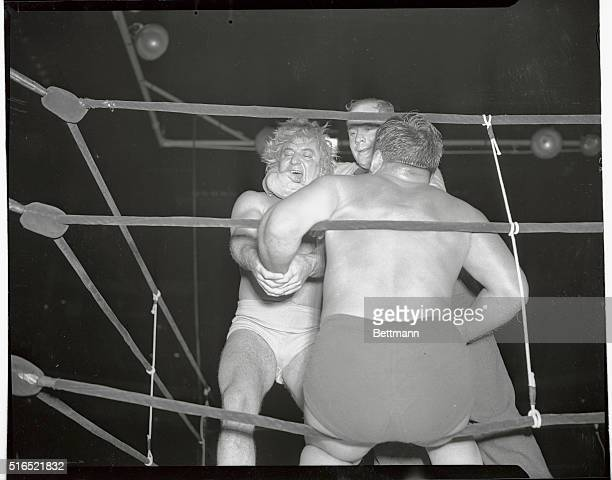 Gorgeous George Wagner wrestles in exhibition match with Dusek