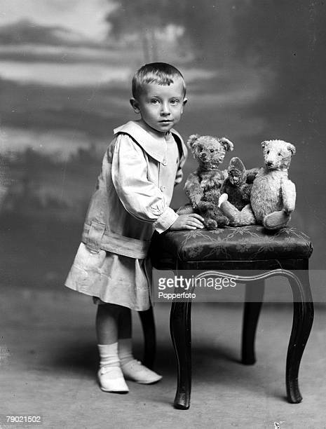 Gorgeous little boy photographed by Henry Mayson at his Keswick, Lake District studio in the late 19th century
